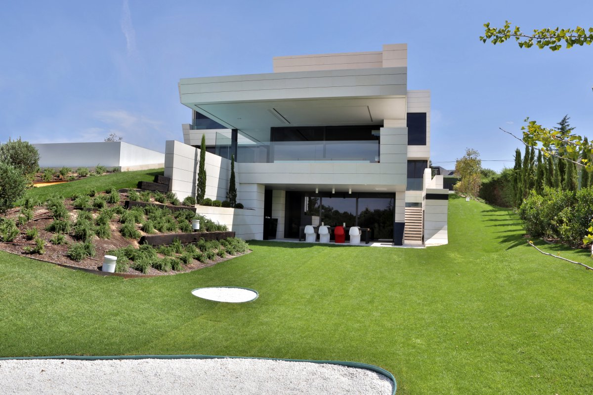 Back Garden, Dining Terrace, Futuristic Home in Madrid, Spain