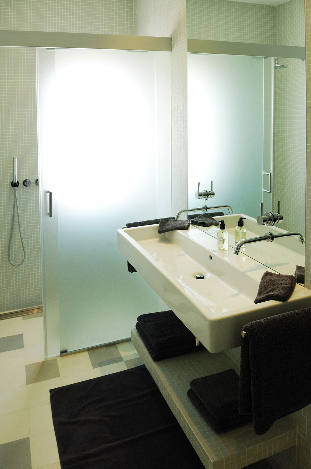 Bathroom, Home in Silves, Portugal