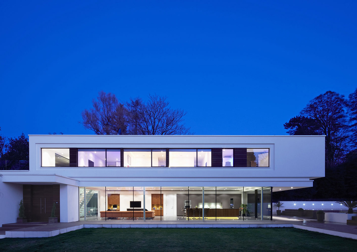 Evening Lighting, Eco-Friendly Modern Home in Tandridge, England