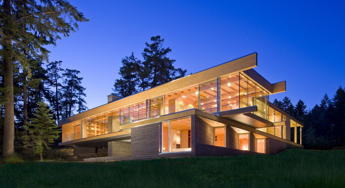 Evening, Lighting, Oceanfront Home in British Columbia, Canada