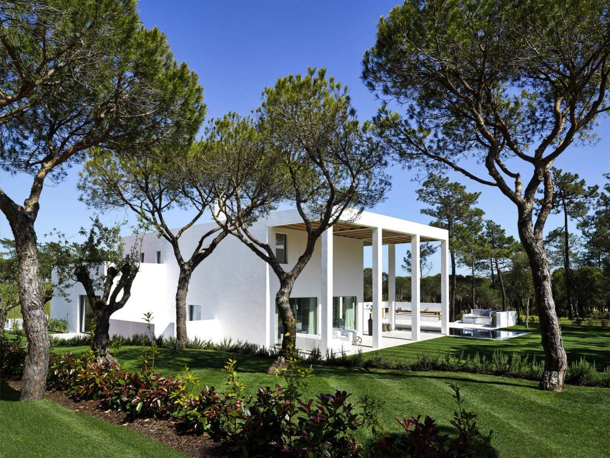 Gardens, Modern Home in Quinta do Lago, Portugal