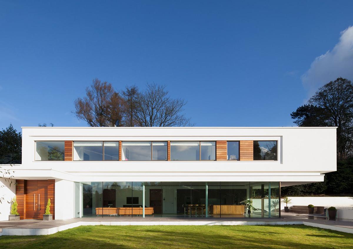 Glass Walls, Eco-Friendly Modern Home in Tandridge, England