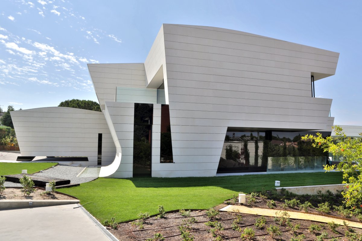Lawn, Side Facade, Futuristic Home in Madrid, Spain