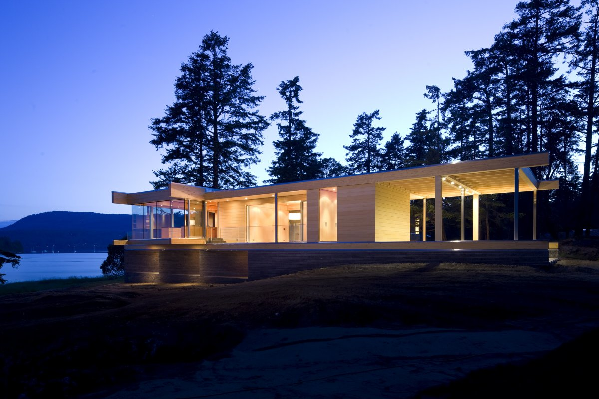 Lighting, Ocean Views, Oceanfront Home in British Columbia, Canada