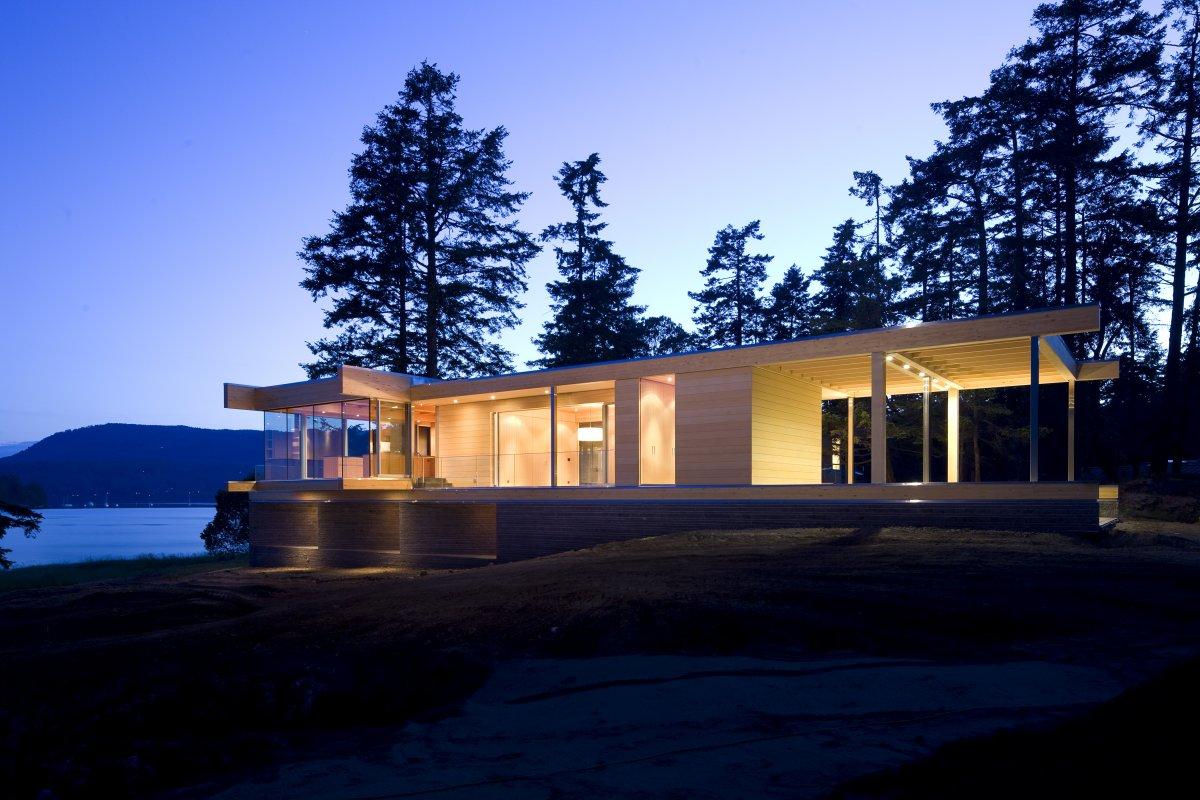 Lighting, Ocean Views, Oceanfront Home in British Columbia, Canada