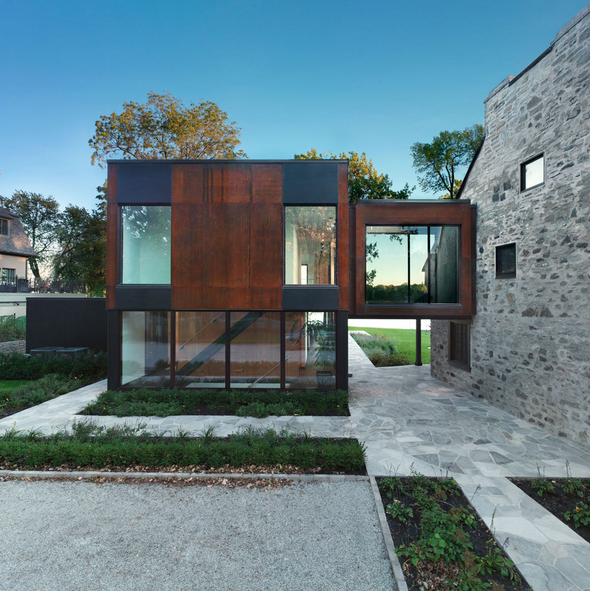 Contemporary Extension, Renovation and Addition in Dorval, Canada