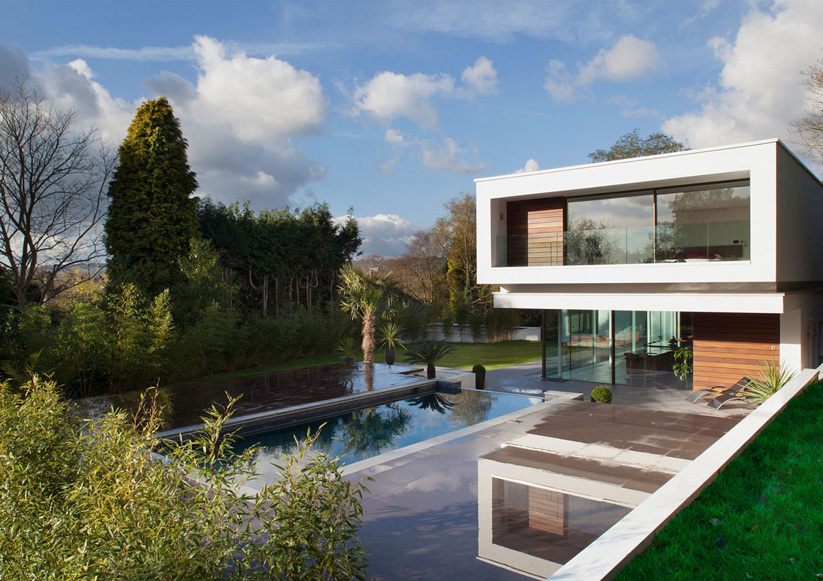 Outdoor Pool, Terrace, Eco-Friendly Modern Home in Tandridge, England