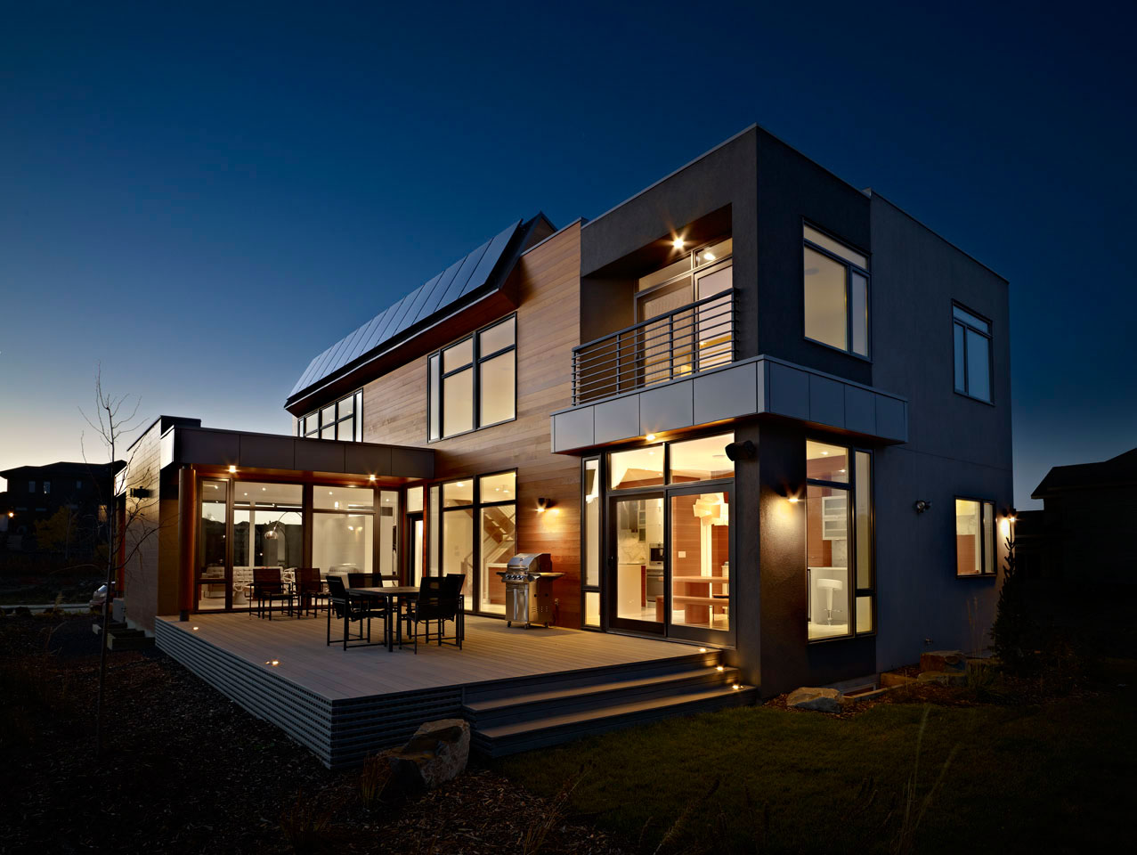 Bright contemporary home in edmonton canada for Modern home plans canada