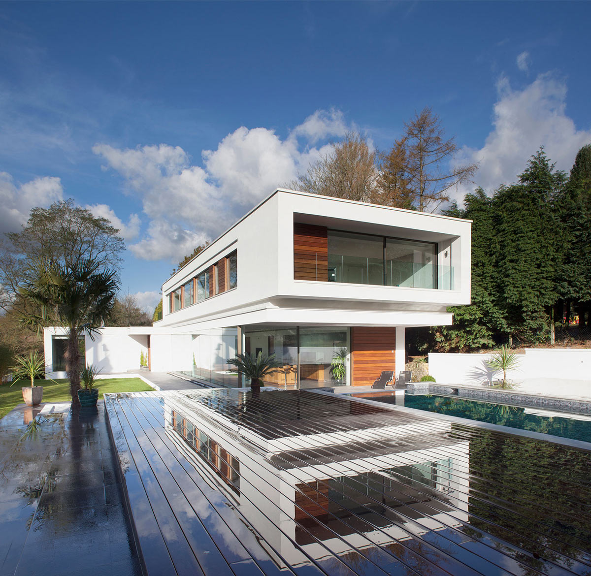 Terrace, Pool, Eco-Friendly Modern Home in Tandridge, England