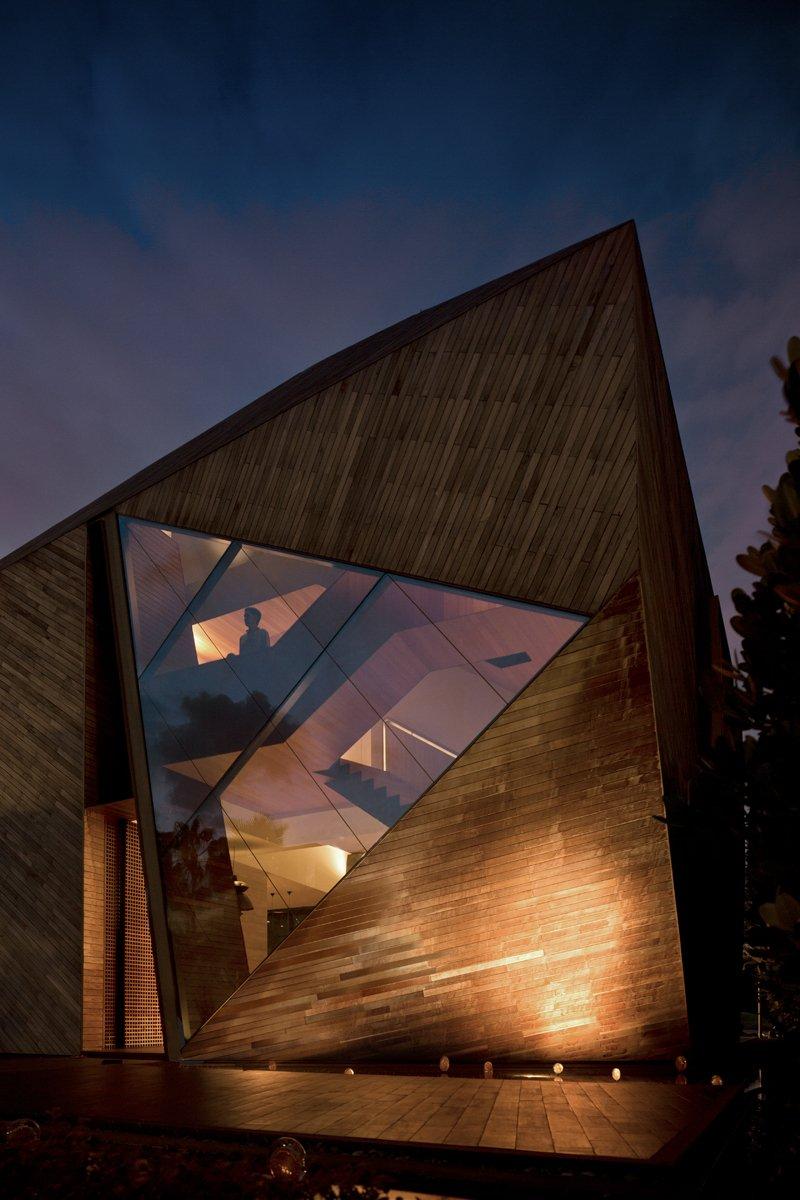 Triangular Window, Lakeside Family Home in Singapore