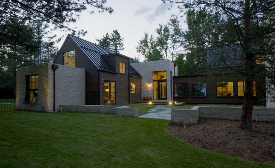 Evening lighting modern and rustic home in boulder colorado for Modern homes colorado