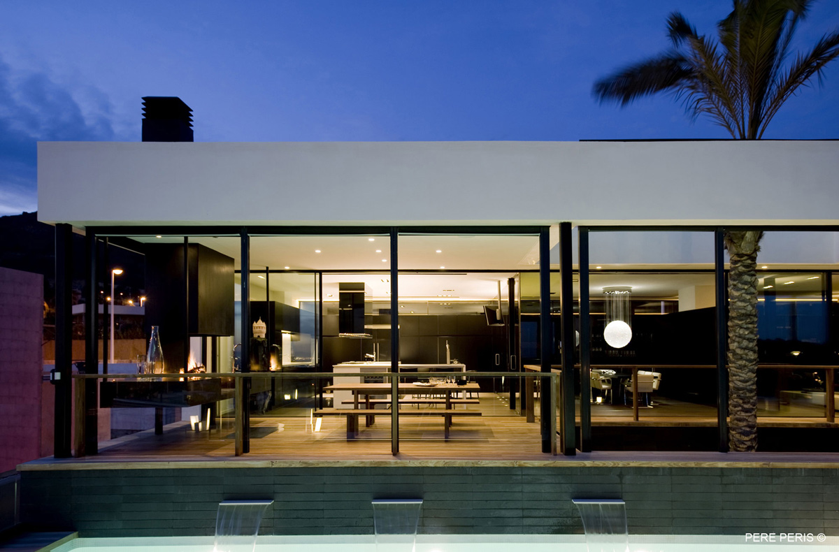Evening Lighting, Stylish Glass Home in Valencia, Spain