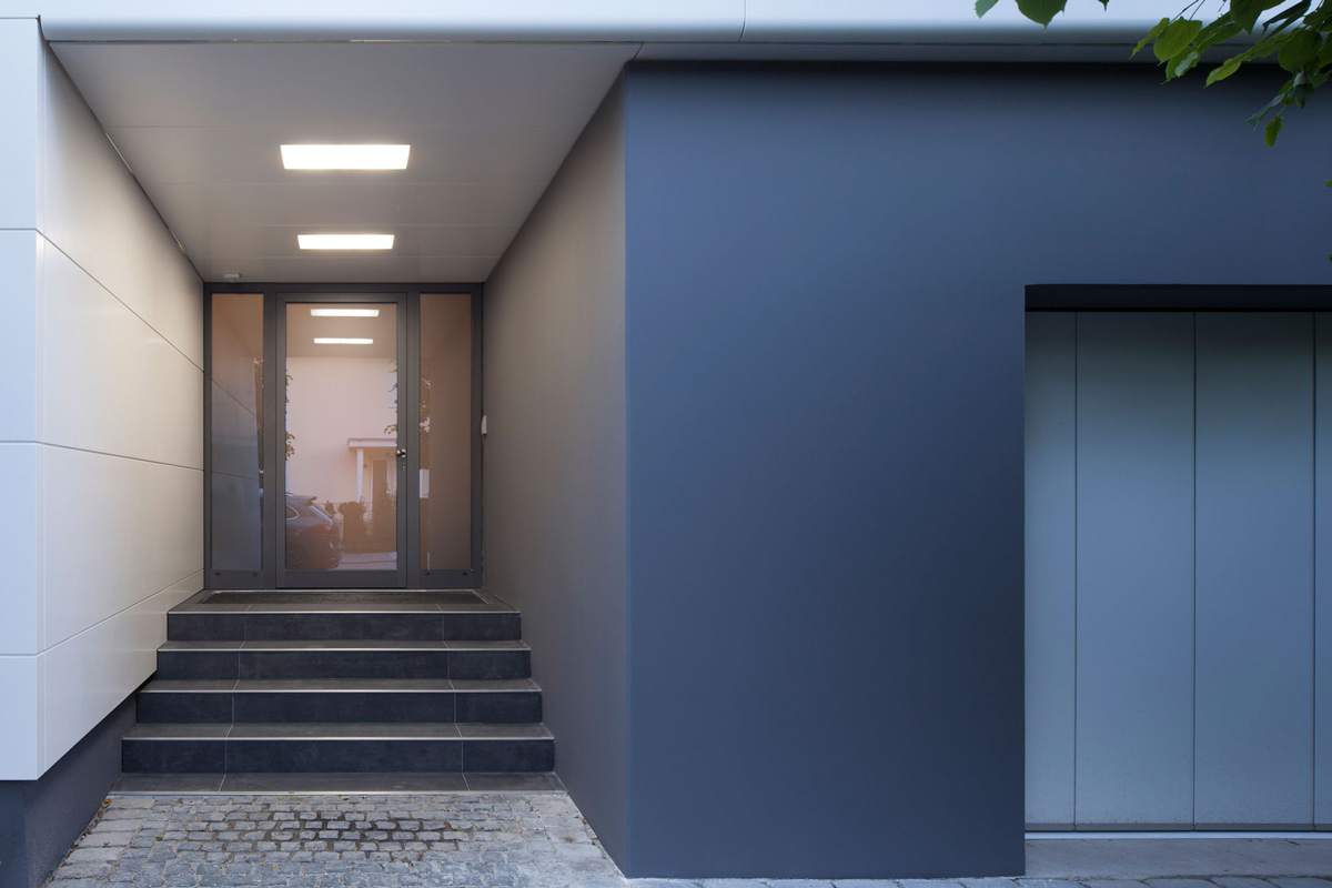 Glass Front Door, Garage, Contemporary Home in Berlin, Germany