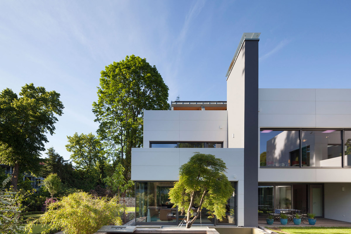 Glass Walls, Contemporary Home in Berlin, Germany