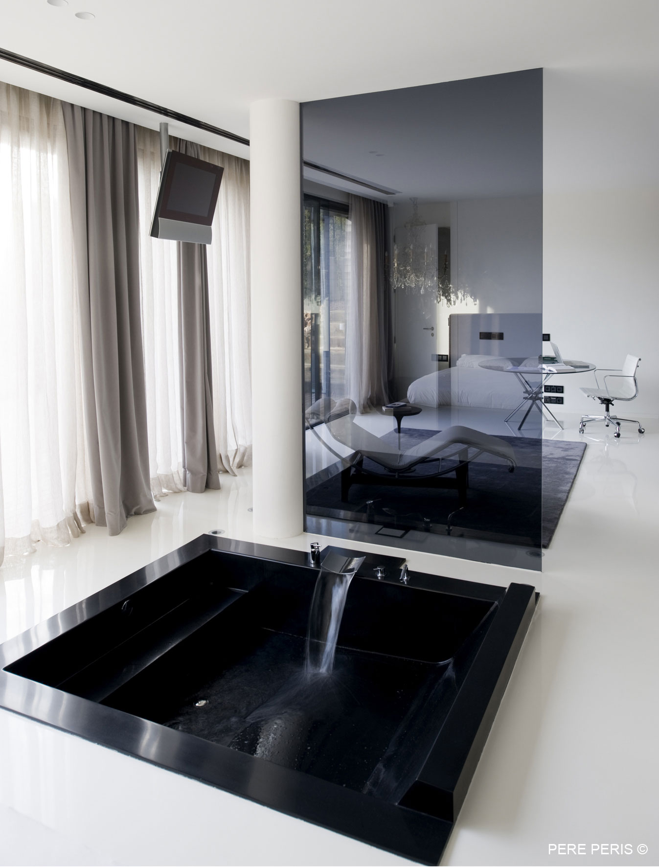 Large Dark Bath, Smoked Glass Screen, Stylish Glass Home in Valencia, Spain