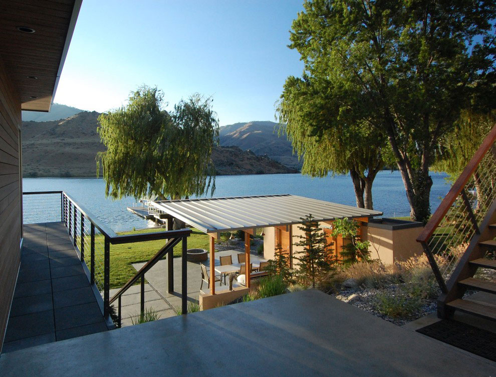 Outdoor Dining Space, Veranda, Stunning Home on the Columbia River in Washington