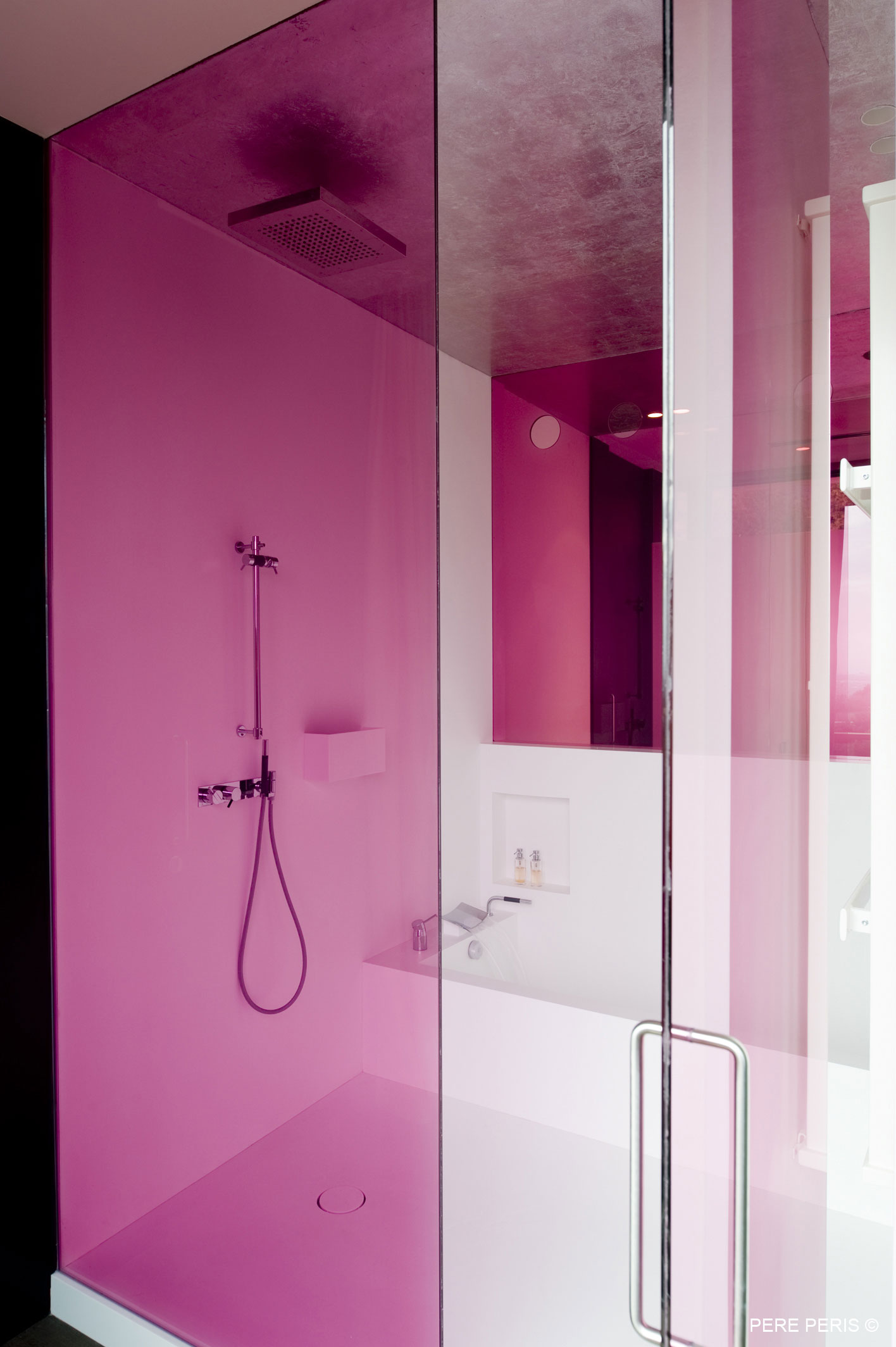 Pink Glass Screen, Shower, Bath, Stylish Glass Home in Valencia, Spain