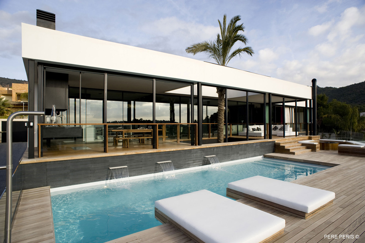 Pool, Terrace, Stylish Glass Home in Valencia, Spain