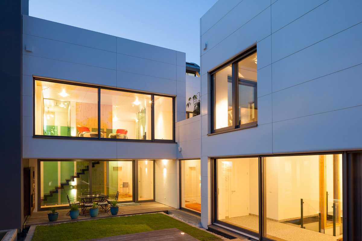 Terrace, Glass Walls, Contemporary Home in Berlin, Germany