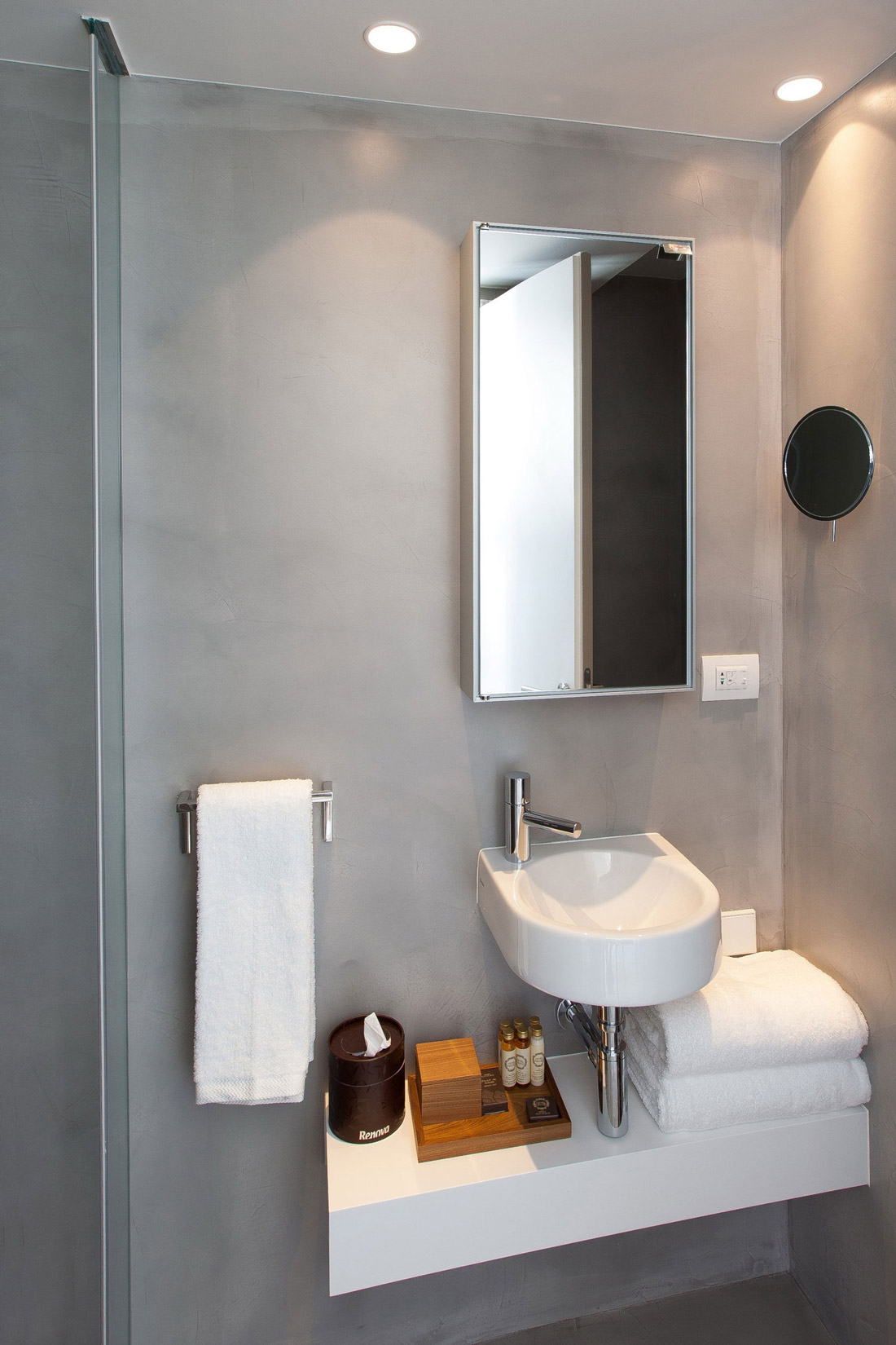 Bathroom Sink, Mirror, Boutique Hotel in the Heart of Alfama, Lisbon