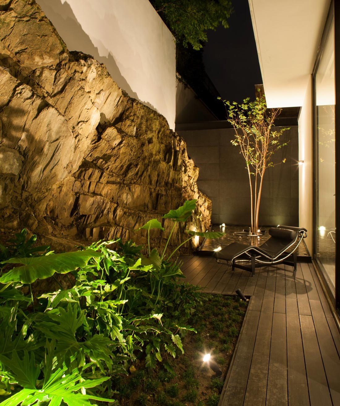 Courtyard, Natural Rock, Water Feature, Stylish Contemporary Home in Garza Garcia, Mexico