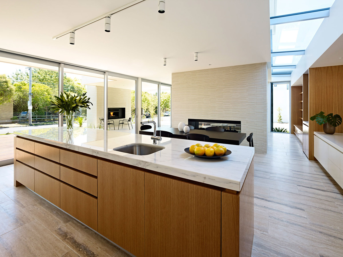 California house in brighton australia for Modern kitchen design australia