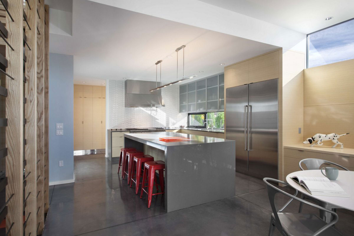 Modern Kitchen Island, Breakfast Bar, Stylish Townhomes near Boulder, Colorado