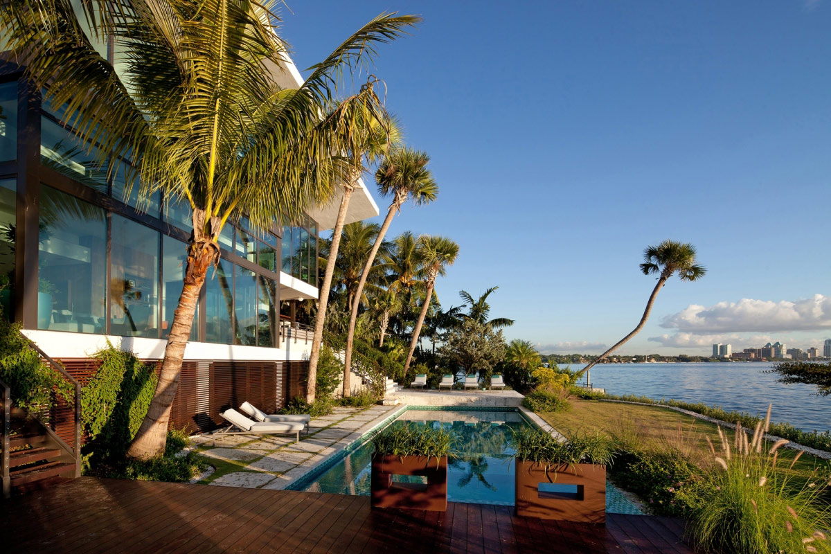 Outdoor Pool, Terrace, Bay Views, Waterfront Residence in Coral Gables, Miami