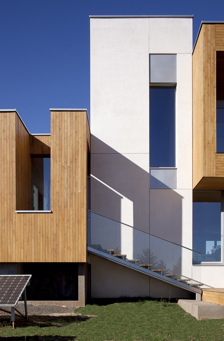 Outdoor Staircase, Glass Balustrading, Sustainable House in Newberg, Oregon