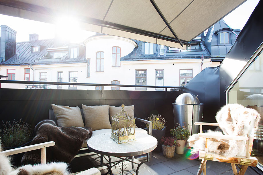 Outdoor Table, Chairs, Balcony, Loft Apartment in Kungsholmen, Stockholm