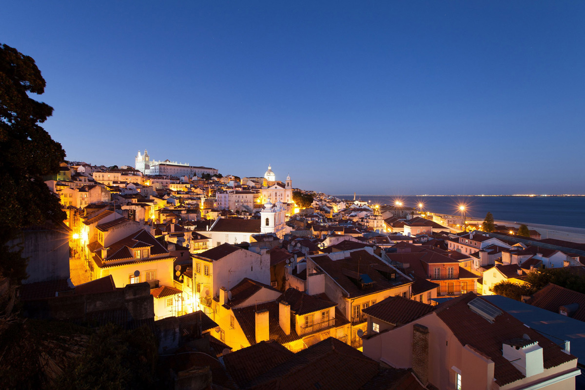 Views Over Alfama, Boutique Hotel in the Heart of Alfama, Lisbon