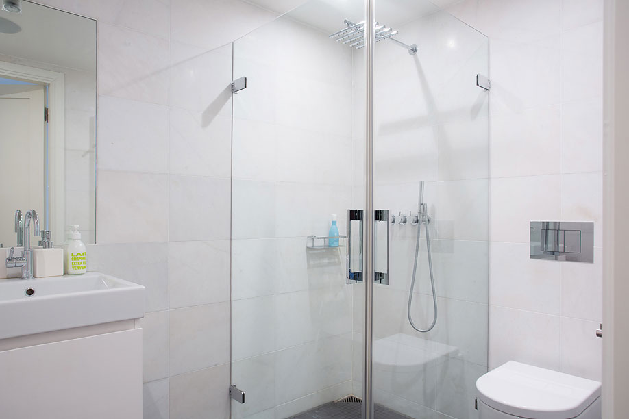 White Bathroom, Loft Apartment in Kungsholmen, Stockholm