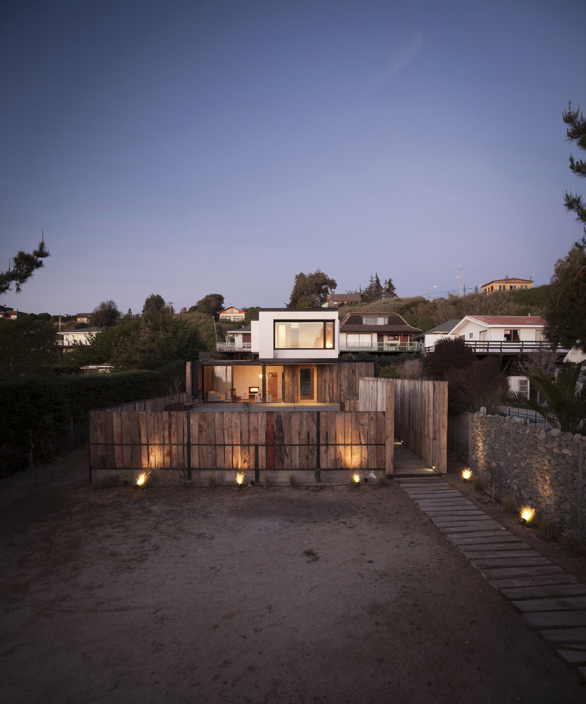 Wooden Fence, Pathway, Lighting, Family Home in Algarrobo, Chile