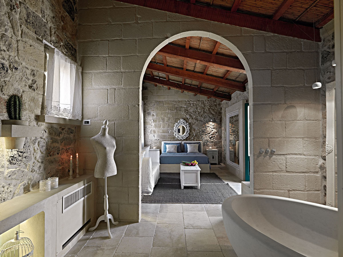Bathroom Arched Door Relais Masseria Capasa Hotel In Martano Italy
