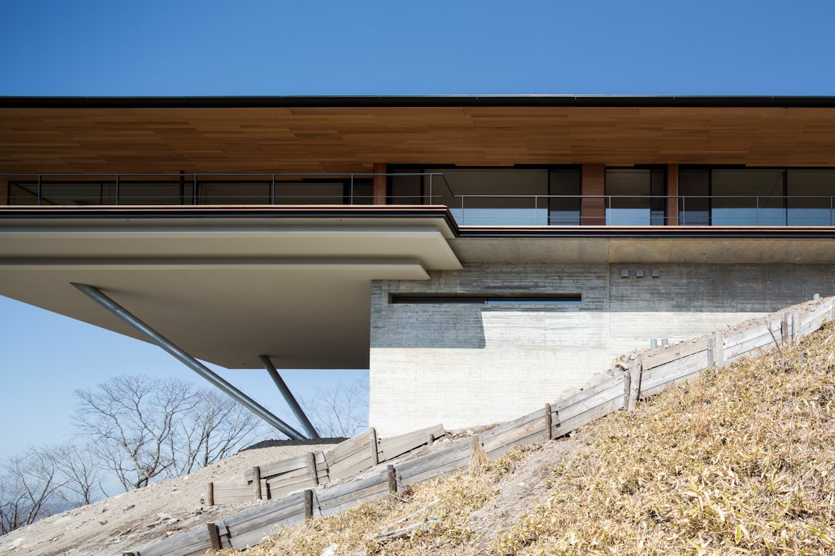 Cantilever, Balcony, Mountain House in Nagano, Japan