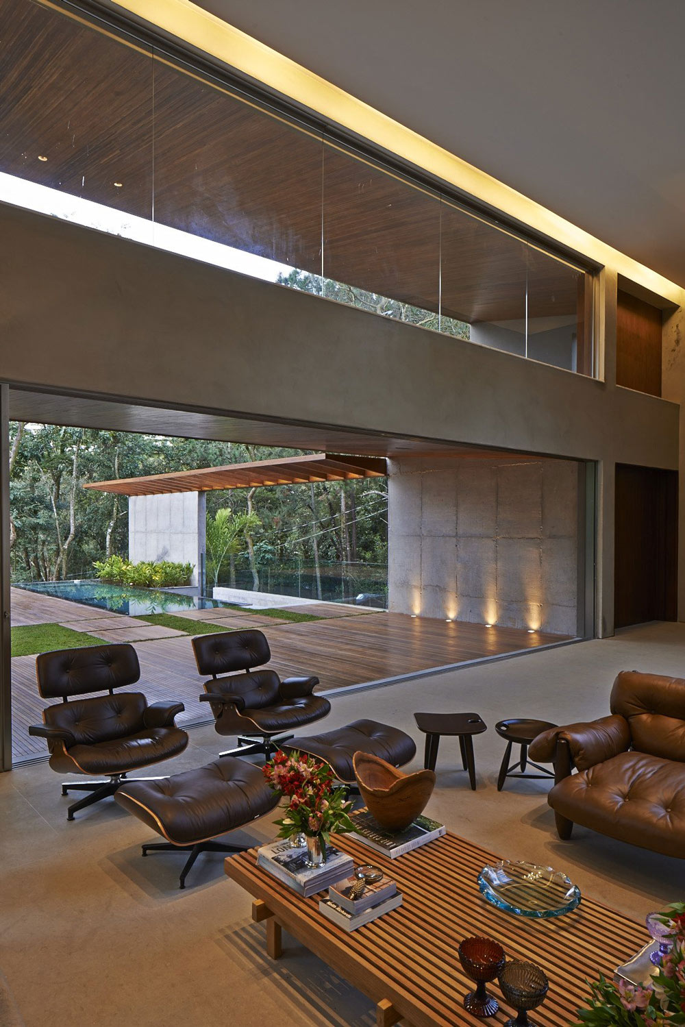 Coffee Table, Chairs, Contemporary Home in Nova Lima, Brazil