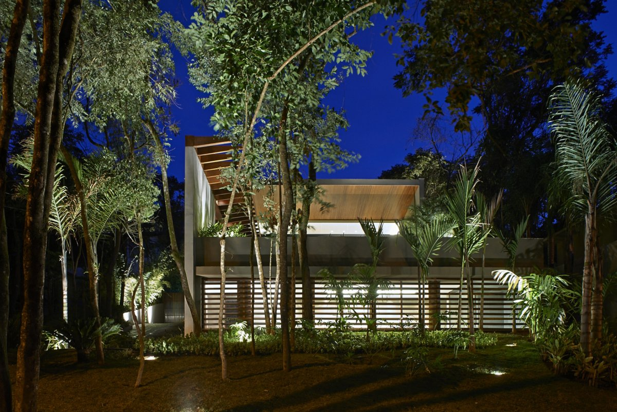 Evening Lighting, Garden, Contemporary Home in Nova Lima, Brazil