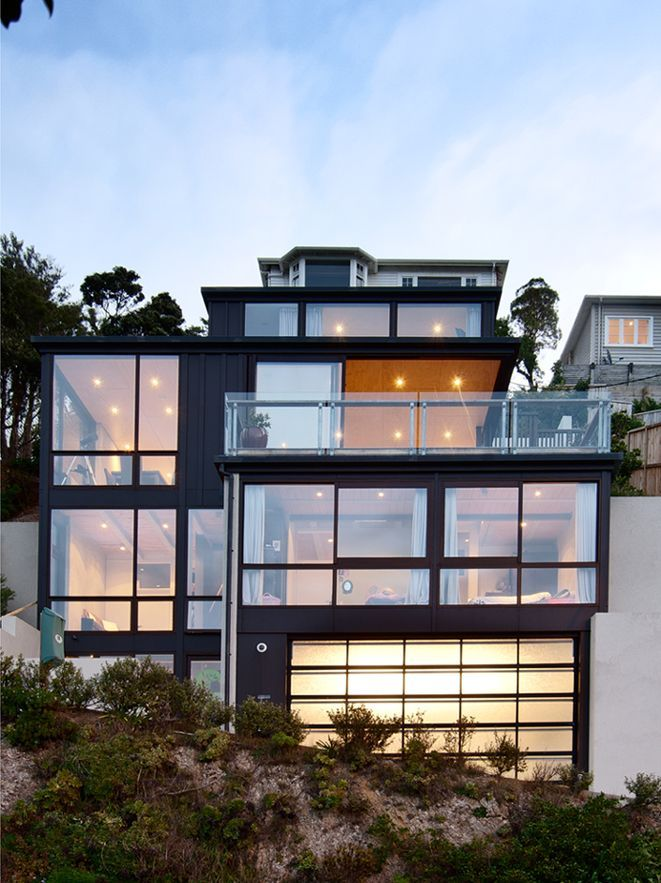Front Facade, Hillside Home in Wellington, New Zealand