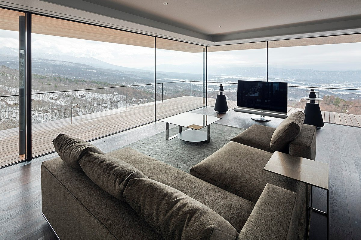 Living room balcony beautiful views mountain house in for Balcony living room design