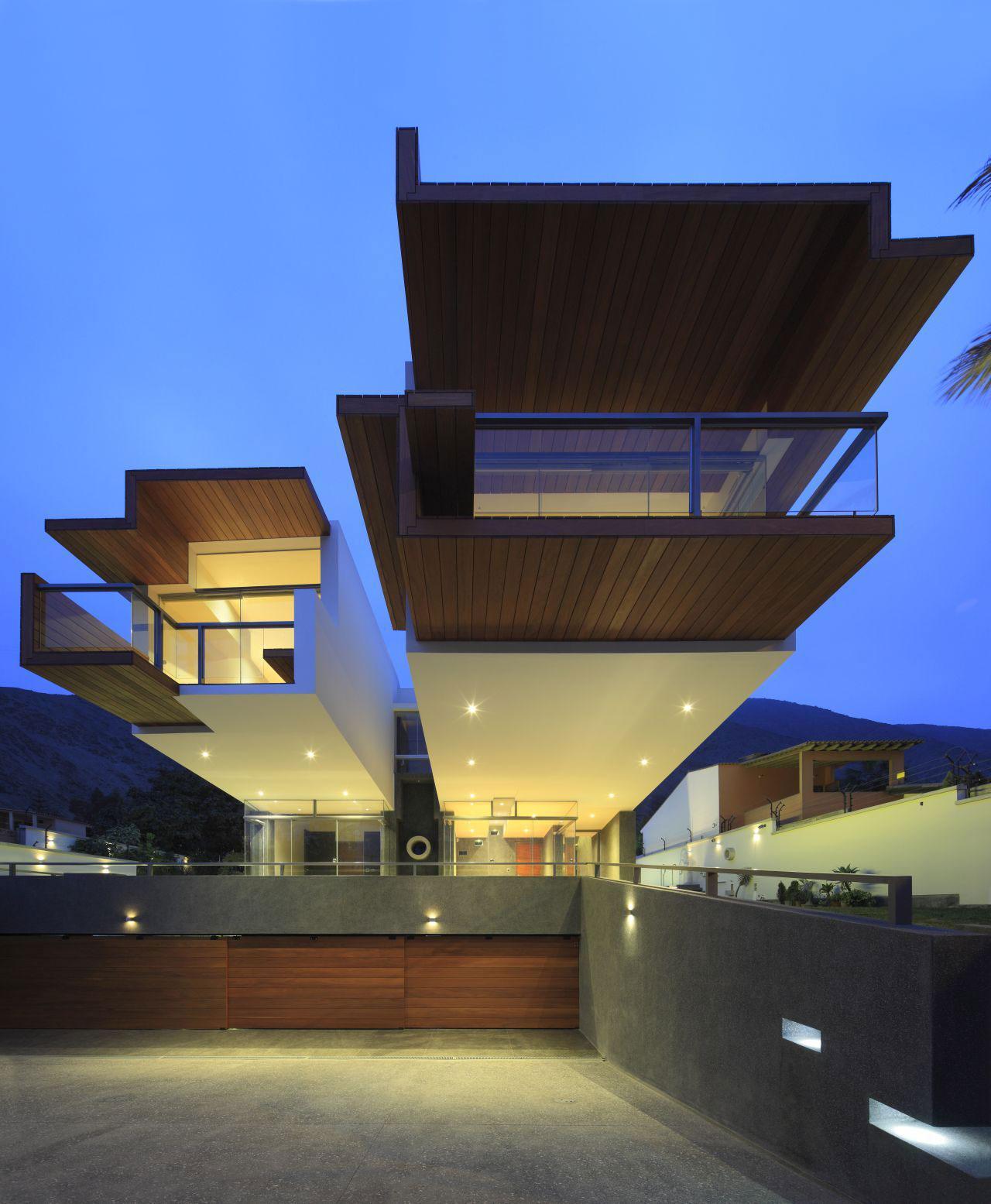 Outdoor Lighting, Garages, Home in La Planicie, Lima