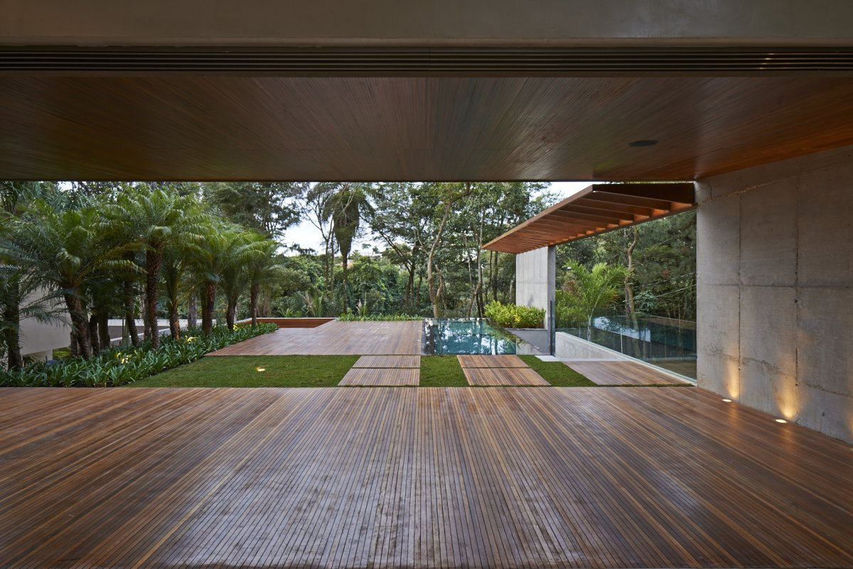 Outdoor Living, Contemporary Home in Nova Lima, Brazil