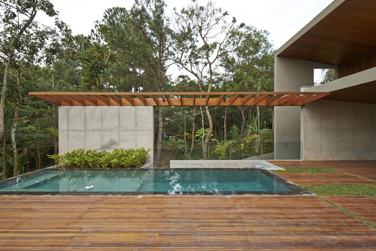 Outdoor Pool, Wood Deck, Contemporary Home in Nova Lima, Brazil