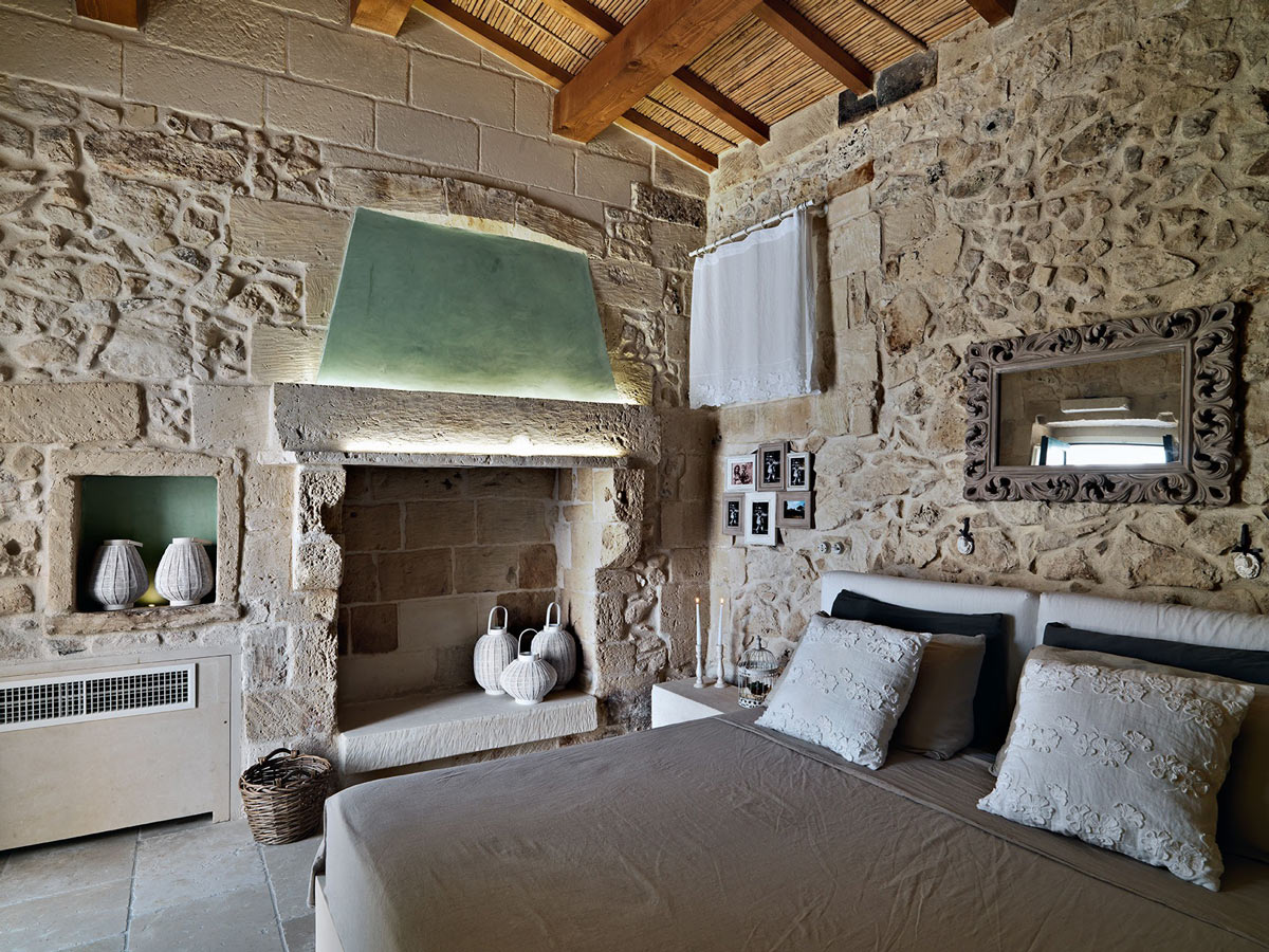 Rustic Bedroom, Fireplace, Mirror, Relais Masseria Capasa Hotel in Martano, Italy
