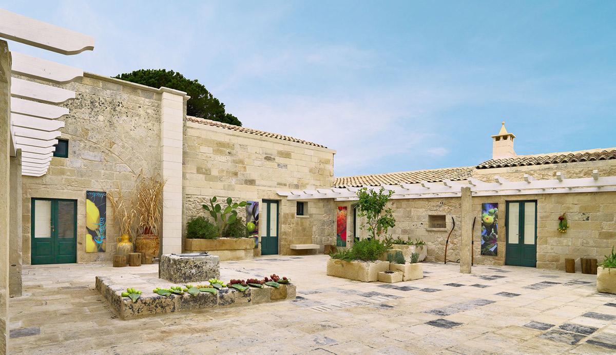Terrace, Courtyard, Relais Masseria Capasa Hotel in Martano, Italy