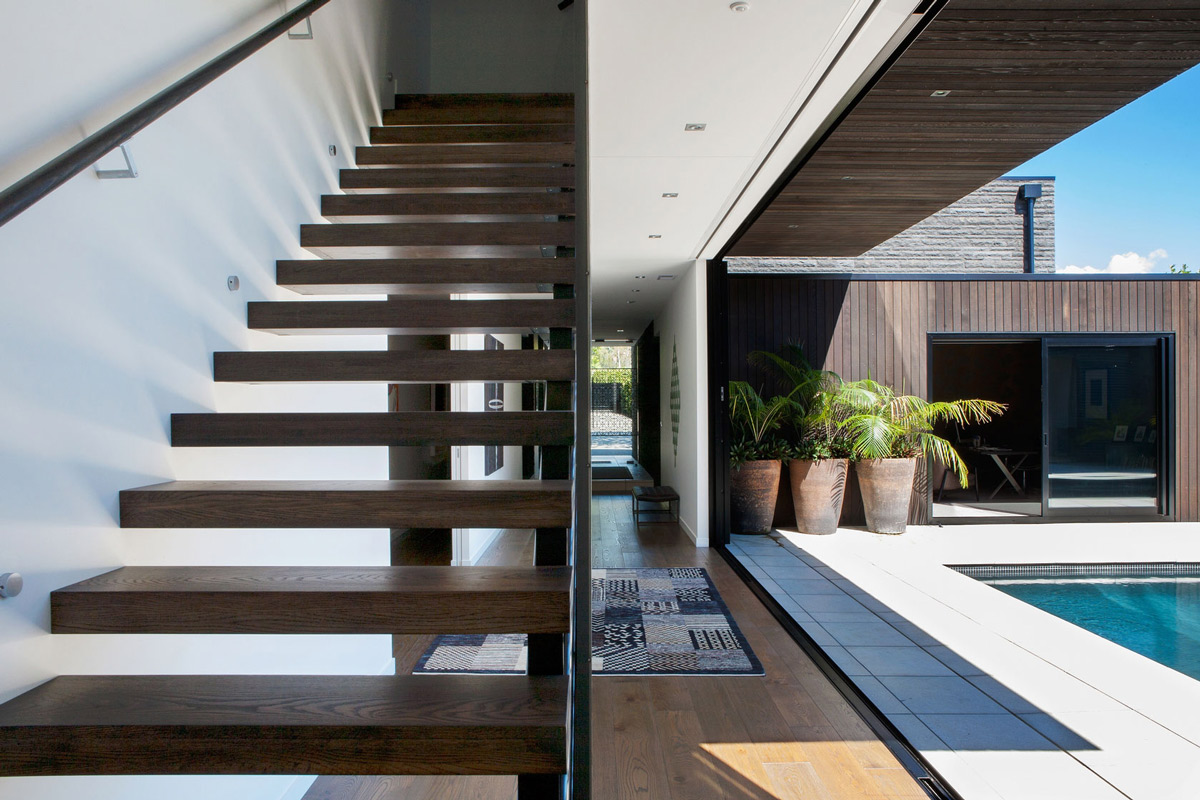 Wooden stairs terrace modern house in auckland new zealand for Modern house stairs