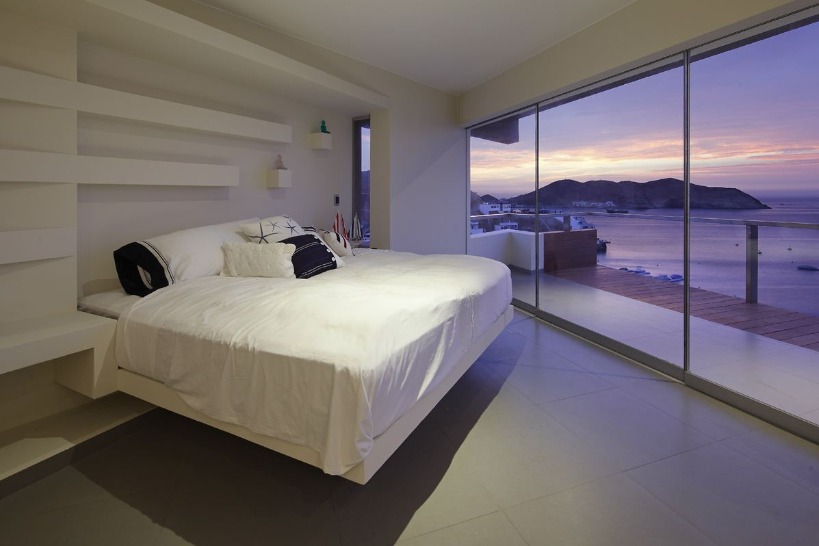 Bedroom, Balcony, Sea Views, Beach House in Lima, Peru