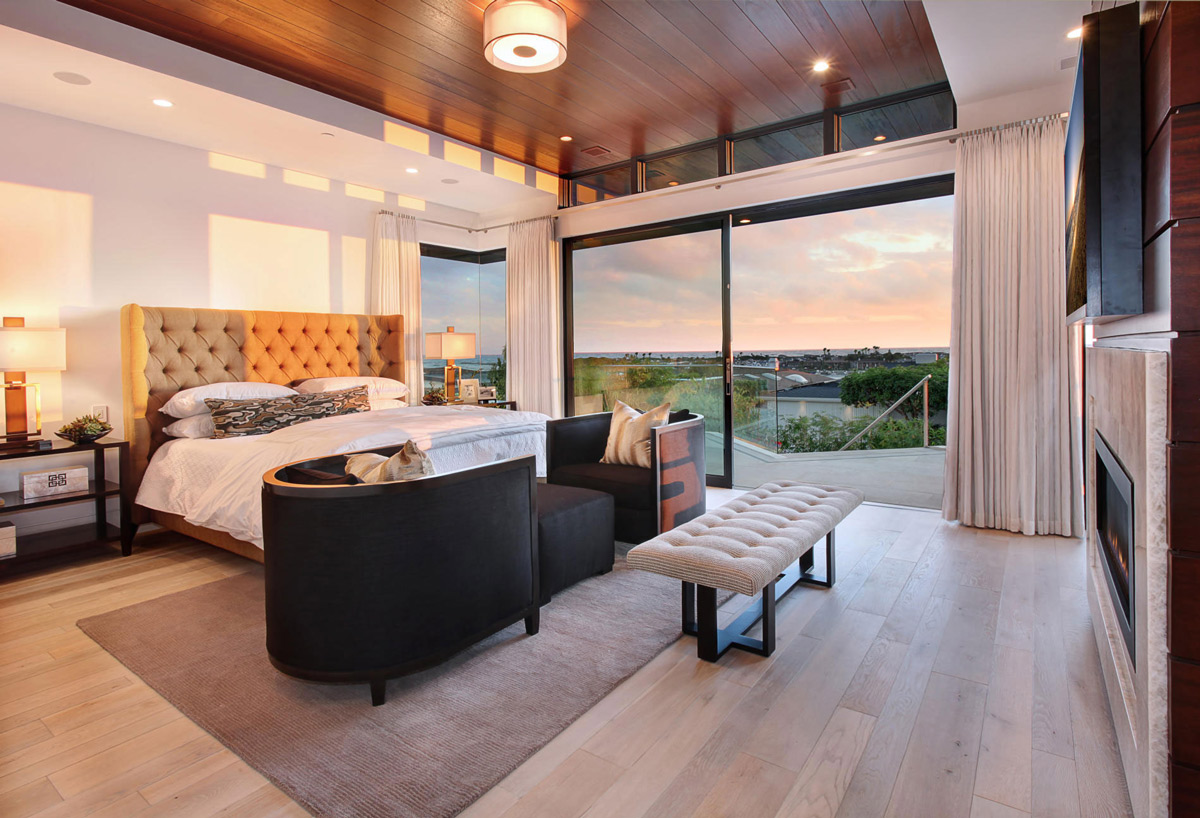 Bedroom, Balcony, Views, Home in Corona del Mar, California