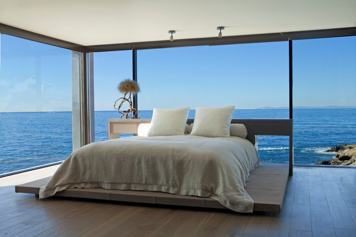Bedroom Glass Walls Ocean Views Beach House In Laguna