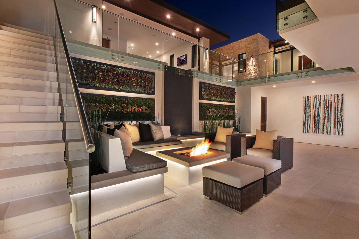 Courtyard, Fire Pit, Outdoor Furniture, Home in Corona del Mar, California