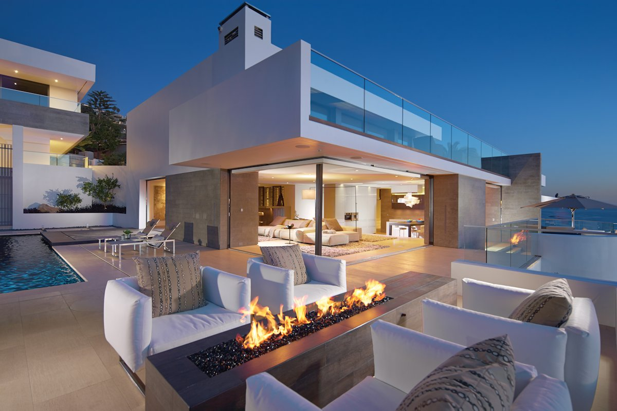 Evening, Outdoor Living, Modern Fireplace, Beach House in Laguna Beach, California
